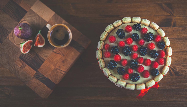 Аппетитный торт в кадре фотографа агентства PhotoHour